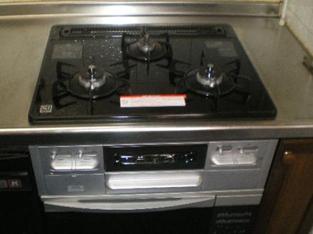 コンロとコンビネーションオーブンの取替工事