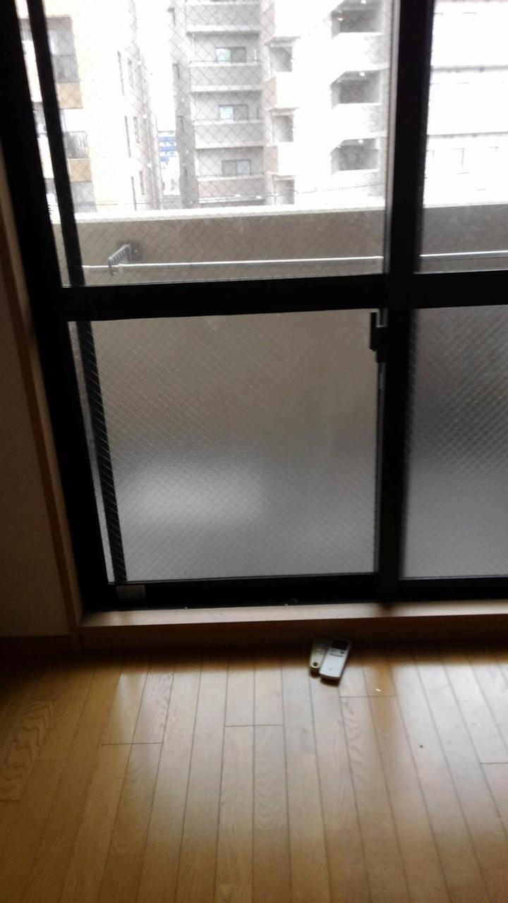 ベランダ窓ガラス交換