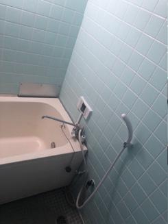 給湯器取替工事<br>バスイングから壁掛給湯器へ