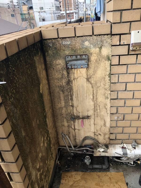 既設給湯器を撤去